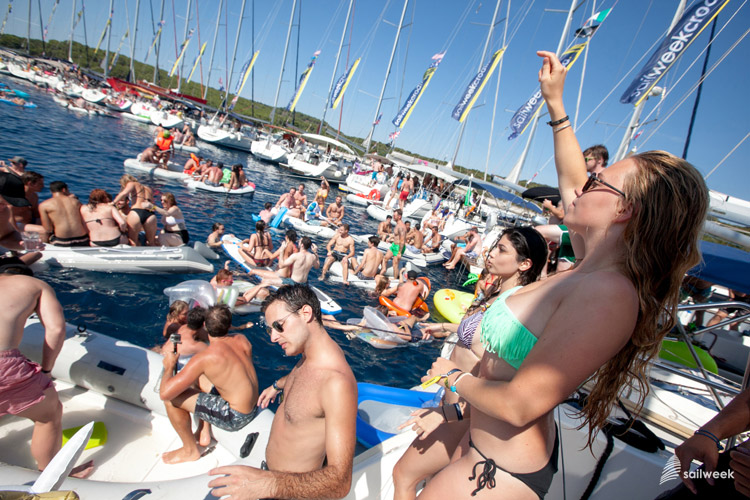 SailWeek Croatia circle raft party